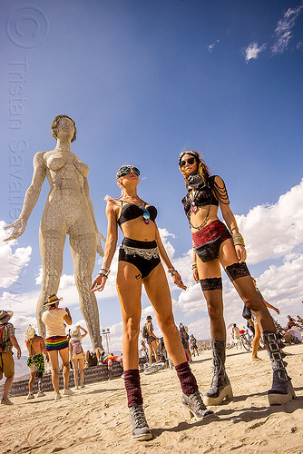 giant woman - R-evolution - burning man 2015, art installation, burning man, marco cochrane, r-evolution, sculpture, statue, women