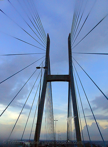 girder bridge - Mỹ thuận (my thuan) - suspension bridge - cables - vietnam, bridge pillar, bridge tower, girder bridge, infrastructure, my thuan bridge, mỹ thuận, suspension bridge