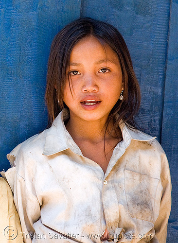 girl at blue guesthouse laos, child, kid, little girl, pak mong