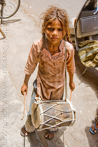 girl drumming - jaipur (india), beggar, begging, child, drum, drumsticks, jaipur, little girl, poor, street kid