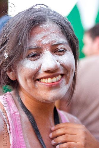 graciela fernandez - carnaval de tilcara (argentina), andean carnival, carnaval, graciela, noroeste argentino, quebrada de humahuaca, talk powder, tilcara, woman