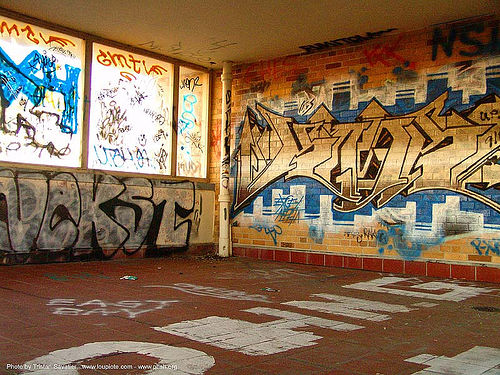 graffiti - abandoned hospital (presidio, san francisco) - phsh, abandoned building, abandoned hospital, decay, graffiti, nekst, presidio hospital, presidio landmark apartments, trespassing
