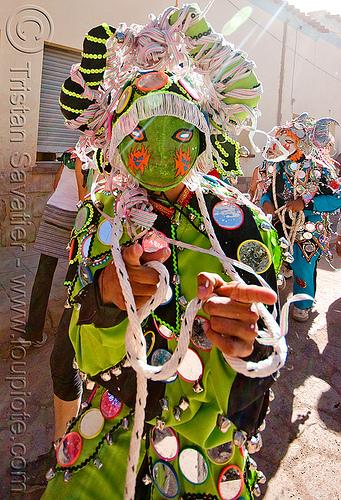 green diablo carnavalero, andean carnival, confettis, costume, diablo carnavalero, diablo de carnaval, folklore, horns, indigenous culture, man, mask, mirrors, noroeste argentino, quebrada de humahuaca, serpentine throws, tilcara, tribal