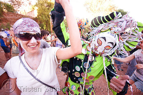 green diablo dancing - carnaval de tilcara (argentina), andean carnival, costume, diablo carnavalero, diablo de carnaval, folklore, horns, indigenous, indigenous culture, man, mask, mirrors, noroeste argentino, people, quebrada de humahuaca, tribal, woman