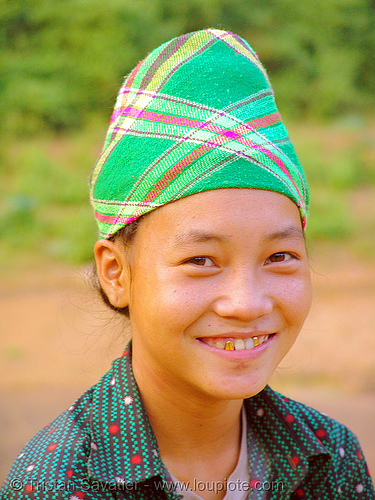 green hmong tribe girl - vietnam, child, colorful, gold teeth, green hmong, hill tribes, hmong tribe, indigenous, kid, little girl, vietnam