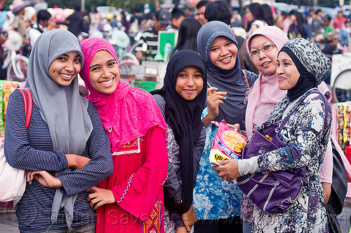 group of muslim girls (jakarta), eid ul-fitr, fatahillah square, indonesia, jakarta, muslim fashion, stuffed animal, taman fatahillah, women