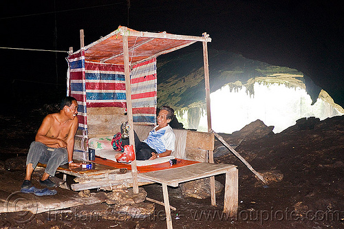 gua niah - bird-nest catchers (borneo), bird-nest gatherers, birds-nest, cabin, camp, caving, gua niah, men, natural cave, niah caves, resting, sitting, spelunking