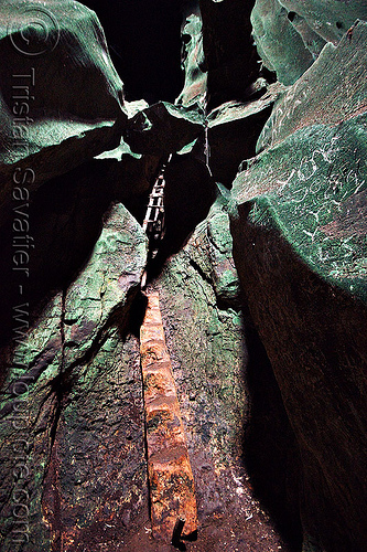 gua niah - ladders used by bird-nest hunters in natural cave (borneo), birds-nest, caving, gua niah, natural cave, niah caves, spelunking, wooden ladders