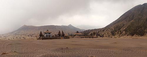 gunung bromo, bromo volcano, desert, gunung bromo, hinduism, java, lautan pasir, mountains, poten bromo temple, poten hindu temple, pura luhur poten, sea of sand, tengger caldera, volcanic ash, volcanic cone