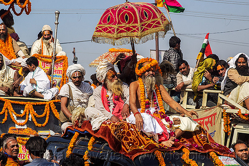 gurus and babas parade on decorated cars - kumbh mela 2013 (india), babas, beard, crowd, float, gurus, hindu pilgrimage, hinduism, india, kumbh maha snan, maha kumbh mela, mauni amavasya, men, parade, umbrellas