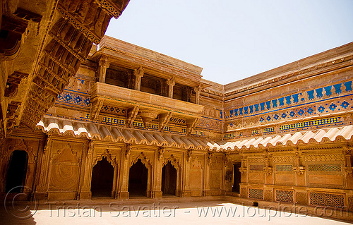 gwalior fort - interior courtyard, architecture, courtyard, fort, fortress, gwalior, india, inside, interior, mansingh palace, ग्वालियर क़िला
