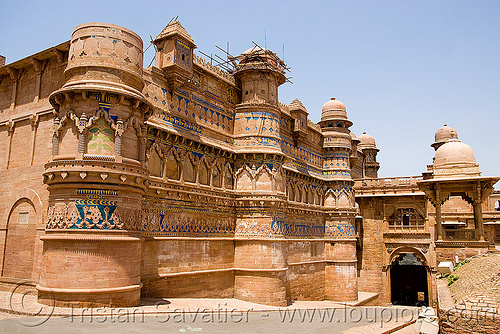 gwalior fort - mansingh palace, architecture, fort, fortifications, fortified wall, fortress, gwalior, mansingh palace, towers, ग्वालियर क़िला
