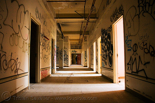 hallway - abandoned hospital (presidio, san francisco) - PHSH, abandoned building, abandoned hospital, graffiti, presidio hospital, presidio landmark apartments, trespassing