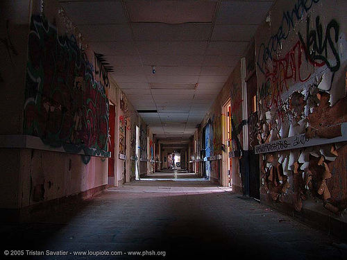 hallway - night - abandoned hospital (presidio, san francisco) - phsh, abandoned building, abandoned hospital, creepy, decay, eery, graffiti, hallway, night, presidio hospital, presidio landmark apartments, spooky, trespassing, urban exploration