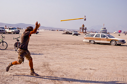 hammer throwing - burning man 2012, burning man, cars, dpw, hammer, throwing