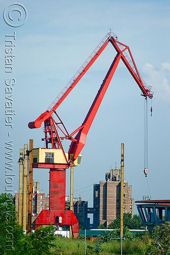 harbor crane, buenos aires, harbor crane, harbour crane, la boca, level luffing cranes, portainer, riachuelo, río la matanza, río matanza