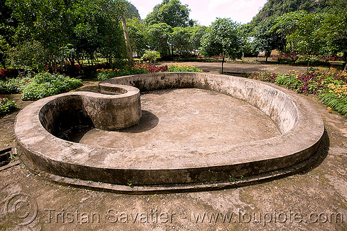 heart-shape pool (laos), bassin, concrete, dry, empty, laos, pool, viang xai