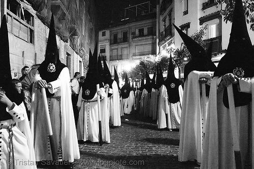 hermandad de la macarena - semana santa en sevilla, andalucía, candles, capirotes, cofradía, easter, hermandad de la macarena, nazarenos, night, parade, procesión, procession, religion, semana santa, sevilla