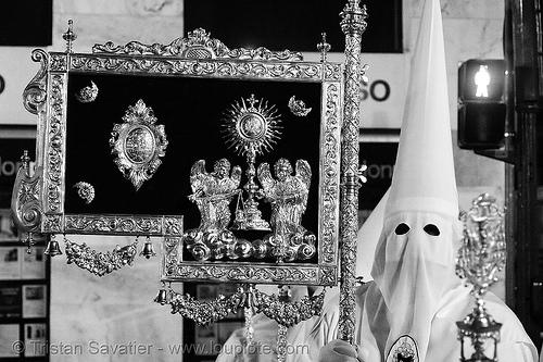 hermandad de la resurrección - semana santa en sevilla, andalucía, candles, capirotes, cofradía, easter, hermandad de la resurrección, la resurrección, nazarenos, night, parade, people, procesión, procession, religion