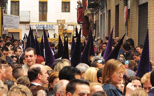 hermandad de los gitanos - semana santa en sevilla, andalucía, candles, capirotes, cofradía, easter, hermandad de los gitanos, nazarenos, parade, people, procesión, procession, religion, semana santa, sevilla