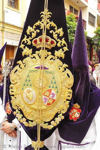 hermandad de los gitanos - semana santa en sevilla, andalucía, candles, capirotes, cofradía, easter, hermandad de los gitanos, nazarenos, parade, procesión, procession, religion, semana santa, sevilla