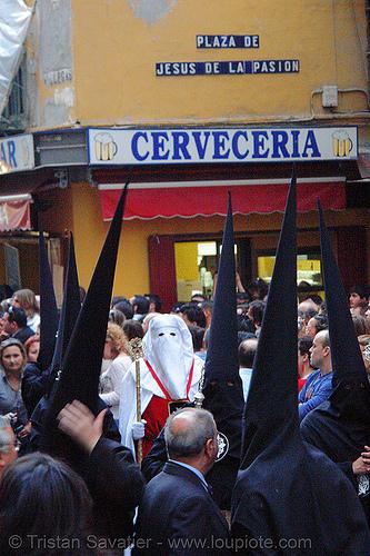hermandad de los javieres - semana santa en sevilla, andalucía, capirotes, cofradía, easter, hermandad de los javieres, nazarenos, parade, procesión, procession, religion, semana santa, sevilla