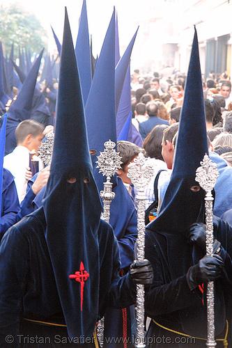 hermandad de los panaderos - semana santa en sevilla, andalucía, capirotes, cofradía, easter, hermandad de los panaderos, nazarenos, parade, procesión, procession, religion, semana santa, sevilla