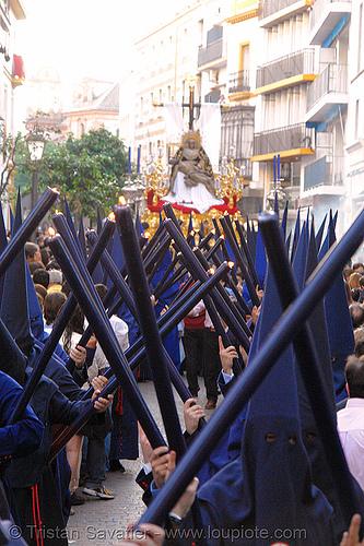 hermandad del baratillo - semana santa en sevilla, andalucía, candles, capirotes, cofradía, easter, el baratillo, hermandad del baratillo, nazarenos, parade, procesión, procession, religion, semana santa, sevilla
