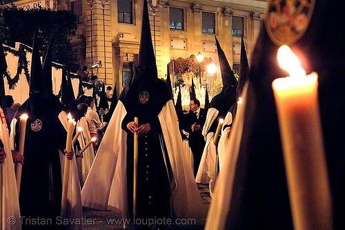 hermandad del museo - semana santa en sevilla, andalucía, capirotes, cofradía, easter, el museo, nazarenos, parade, people, procesión, procession, religion