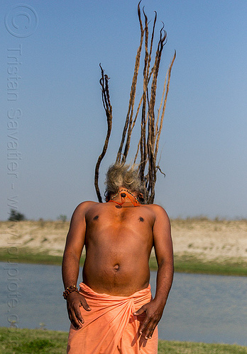 hindu baba throwing dreadlocks in the air (india), baba, dreadlocks, dreads, hindu, hinduism, kumbha mela, maha kumbh mela, man, sadhu, throw, throwing