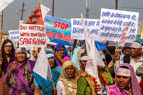 hindu devotees protesting dams and hydro projects on ganges river (india), crowd, demonstration, hindu pilgrimage, hinduism, india, maha kumbh mela, protest, signs