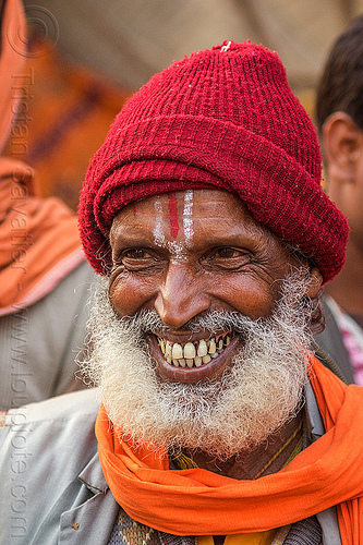 hindu man with white beard, smiling (india), headdress, hindu, hinduism, india, man, ramanandi tilak, teeth, varanasi, white beard