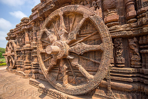 hindu stone wheels - konark sun temple (india), carving, hindu temple, hinduism, konark sun temple, sculptures, stone wheels