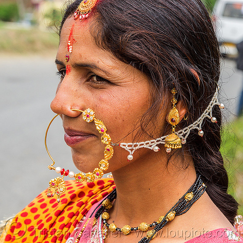 hindu woman with large nose ring piercing jewelry (india), bride, india, indian wedding, jewelry, nose chain, nose piercing, nose ring, nostril piercing, tola gunth, woman