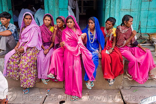 womens in india Gender and culture in india a first-person account of living and working in an orphanage sarah bradley india the oppression of women is evident in india while at the same time, i've never witnessed so much respect for women.