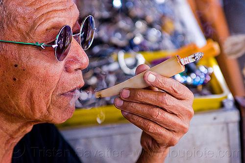 horn cigarette holder, cigarette holder, hand, horn, java, jogja, jogjakarta, man, smoke, smoker, smoking, sunglasses, yogyakarta
