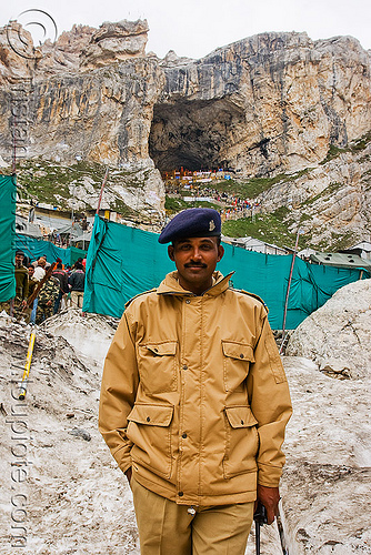indian soldier guarding amarnath cave (gufa amarnath) - kashmir, amarnath yatra, gufa amarnath, indian army, kashmir, man, military, mountains, pilgrim, pilgrimage, snow, soldier, trekking, yatris, अमरनाथ गुफा