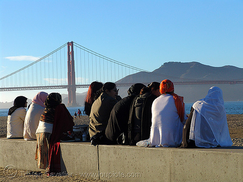 indian women at the beach (san francisco), crissy field, cultural, family, golden gate bridge, hindu, hinduism, scarfs, suspension bridge, women