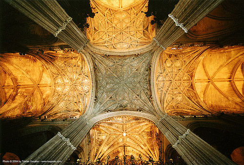 inside sevilla cathedral de santa maría de la sede - ceiling vaults (spain), architecture, cathedral, ceiling, columns, pillars, sevilla, vaults