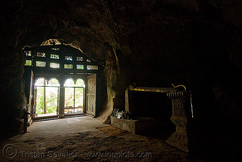 inside the upper pak ou cave near luang prabang (laos), caving, luang prabang, natural cave, pak ou caves temples, spelunking