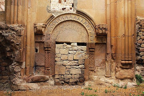 Işhan monastery - georgian church ruin (turkey), byzantine architecture, carving, door, georgian church, ishan monastery, işhan church, low-relief, orthodox christian, religion, ruins, stone