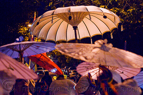 japanese umbrellas, day of the dead, dia de los muertos, halloween, japanese umbrellas, night