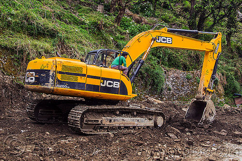 JCB excavator (india), excavator, india, jcb, js200, js200hd, man, road construction, roadwork, sitting, worker