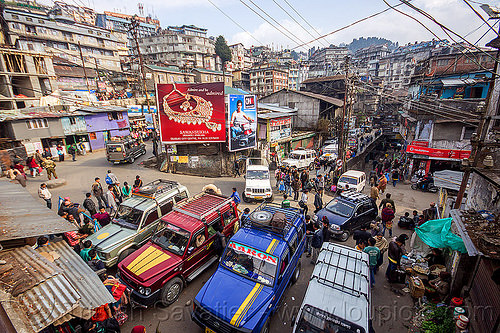 jeep-taxis stand - central bazar market - darjeeling (india), 4x4, cars, crowd, darjeeling, jeeps, market, street, taxis