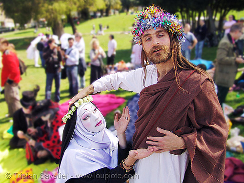 jesus christ and nun - the sisters of perpetual indulgence - easter sunday in dolores park, san francisco, crowns, fake dof, hunky jesus contest, kitsch, lord, nuns, people, pray, randal smith, religion, saint rita of cascia, sister mary timothy simplicity, tacky