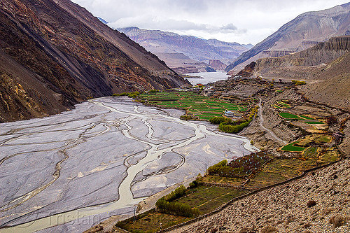 kagbeni village - kali gandaki valley - annapurnas - himalayas (nepal), annapurnas, kagbeni, kali gandaki river, kali gandaki valley, mountains, river bed, v-shaped valley, village