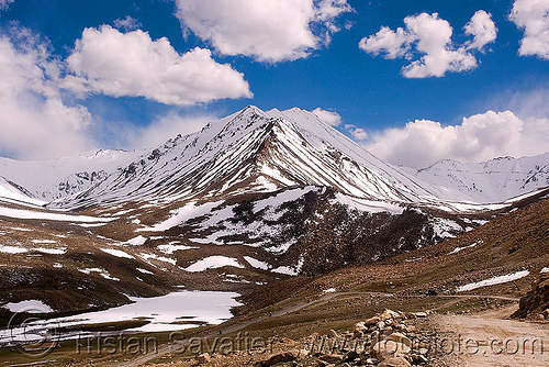 khardungla pass - ladakh (india), india, khardung la pass, ladakh, mountain pass, mountains, snow patches
