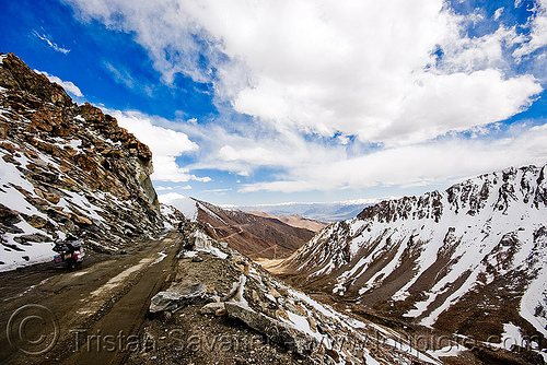 khardungla pass - ladakh (india), india, khardung la pass, ladakh, mountain pass, mountains, road, snow