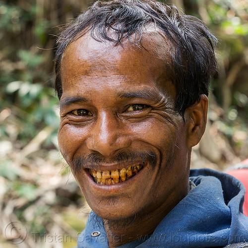khasi man (india), areca nut, betel nut, betel quids, east khasi hills, indigenous, man, mawlynnong, meghalaya