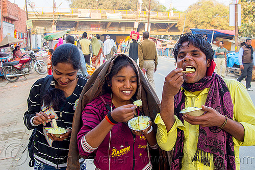 kids eating frothed milk dessert, boy, cups, daraganj, dessert, eating, foamed milk, frothed milk, hindu pilgrimage, hinduism, india, maha kumbh mela, street food